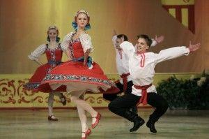 rusija-u-pesmi-i-igri-700x466